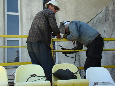 http://www.fczestafoni.ge/images/photos/2010-11/karpati/stadioni/DSC06119.JPG